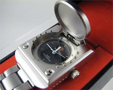 retro: dreamcast-armbanduhr
