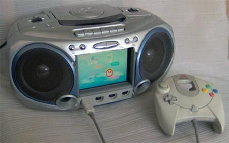 modding: dreamcast boombox