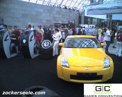 gc 2005 - gran turismo 4 stand