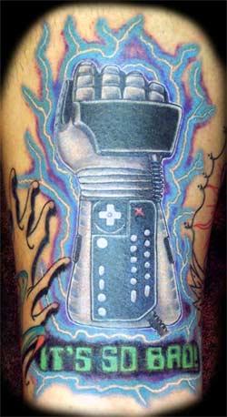 nes: powerglove-tattoo